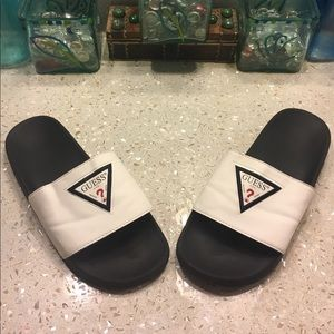 Guess flip flop sandals 8